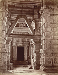 Interior of Sas-Bahu temple, Gwalior Fort. 2772